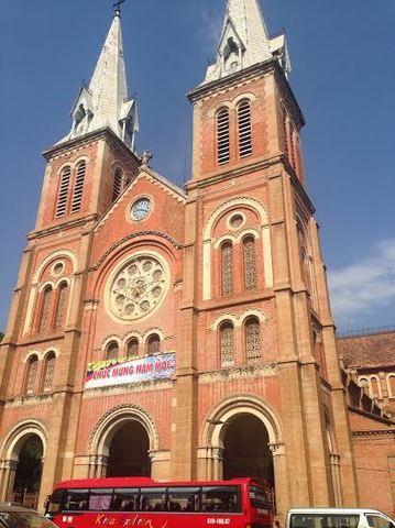 ホーチミン サイゴン大教会 聖マリア大聖堂.jpg