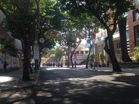 ホーチミン ドンコイ通り シクロラウンジ.jpg