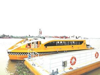 水上バス (2).jpg